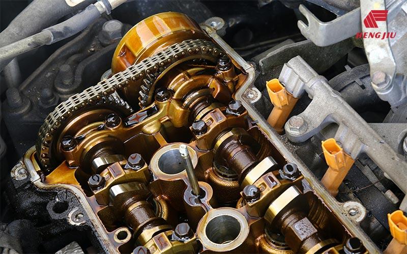汽车发动机和分动箱